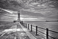 Roker Black and White No#1