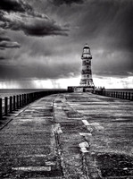 Roker Black and White No#2