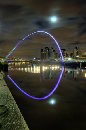 Millenium Bridge, Quayside, Newcastle, UK.